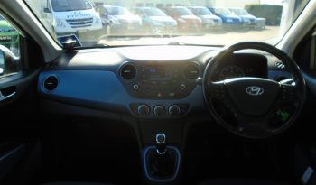 16 Hyundai i10 1.2 Premium 5dr Hatchback Manual Ref: U01228/11456 full