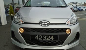 18 Hyundai i10 1.0 SE 5dr Hatchback Manual Ref: N01490/42324 full
