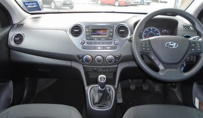 18 Hyundai i10 1.0 SE 5dr Hatchback Manual Ref: N01490/42324 full