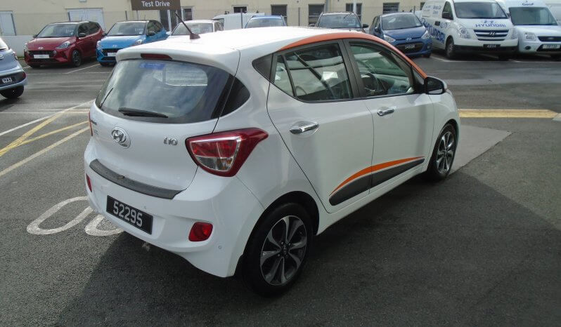 16 Hyundai i10 1.2 Premium SE 5dr Hatchback Manual Ref: U2019419/52295 full
